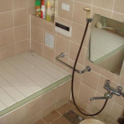 タイル張りの浴室をユニットバスに交換 Before